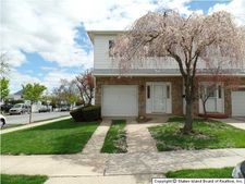 3 Kenmore St, Staten Island, NY 10312
