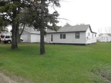 119 4th St Ne, Mahnomen, MN 56557