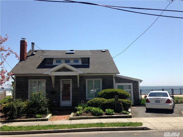 Home For Sale Blue Point Ave Blue Point Ny