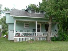 617 3rd St, Stevens Point, WI 54481