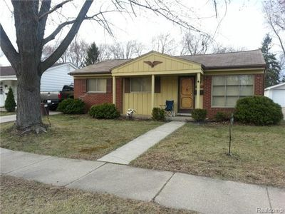 22527 Gordon Rd, Saint Clair Shores, MI