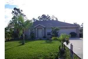 3067 SW Lucerne St, Port Saint Lucie, FL 34953