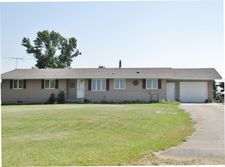 5711 28th Ave Ne, Rugby, ND 58368