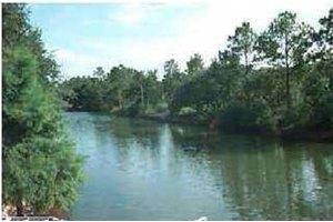 2650 Bayshore Pkwy, Milton, FL 32583