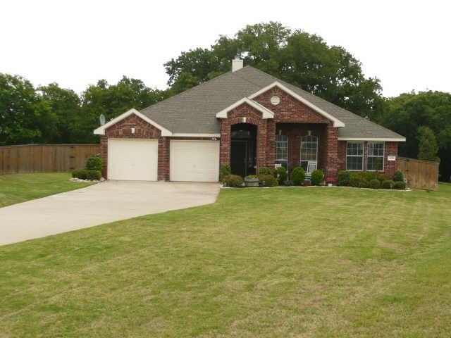 420 Brookside Dr, Lake Dallas, TX 75065