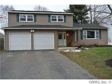 8062 Turtle Cove Rd, Liverpool, NY 13090