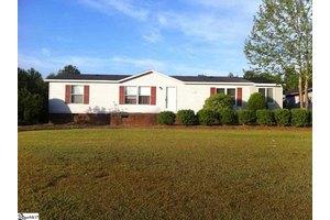 160 Brookview Dr, Gray Court, SC 29645