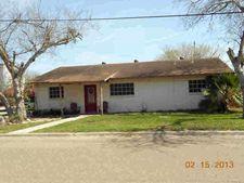 702 N Gudron Ave, Hebbronville, TX 78361