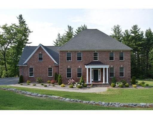 8 Squire Dr, Wilbraham, MA 01095