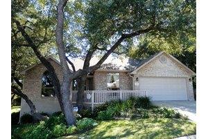 301 Chase Oaks Pl, Fredericksburg, TX 78624