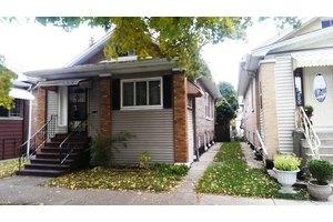 1431 Home Ave, Berwyn, IL 60402