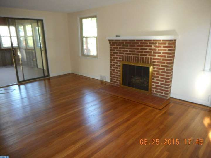 275 Crystal Ter, Haddonfield, NJ 08033