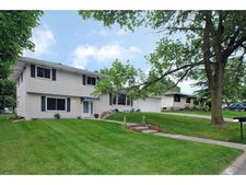 233 17th Ave Nw, New Brighton, MN 55112