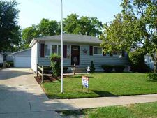 922 39th Ave, East Moline, IL 61244