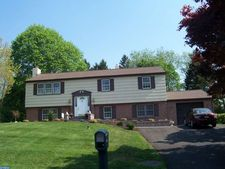 1260 Ravens Ln, West Chester, PA 19382