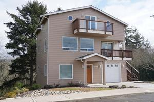 4648 SW Coast Ave, Lincoln City, OR 97367