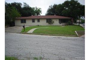 118 Crestview Dr, San Antonio, TX 78201