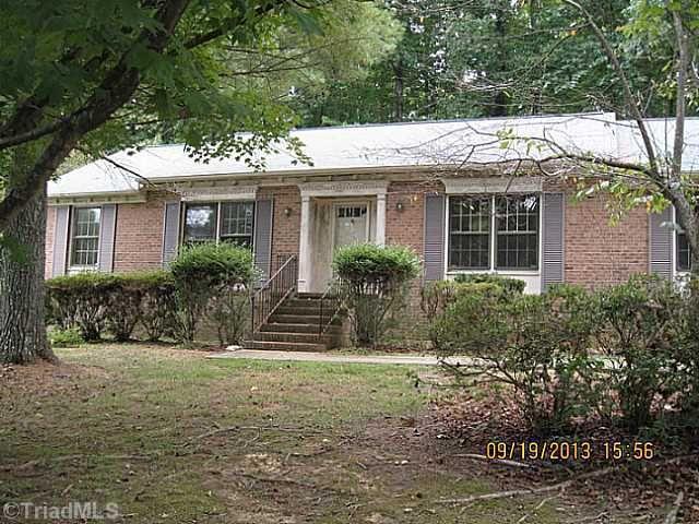 3305 Cottage Pl, Greensboro, NC 27455 Main Gallery Photo#1