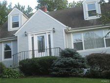 48 Beaver Hill Rd, Elmsford, NY 10523