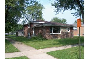 13628 S School St, Riverdale, IL 60827