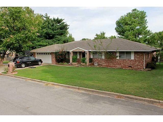 1007 w mulberry st rogers ar 72756 home for sale and real estate listing