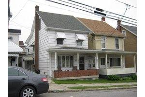 20 W Phillips St, Street, PA 18218