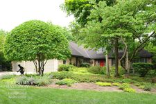 175 Norwich Ct, Lake Bluff, IL 60044