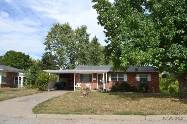 1214 w miller st jefferson city mo 65109 home for sale for Hardwood floors jefferson city mo