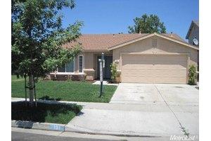 191 Eagleglen Ave, Turlock, CA 95380