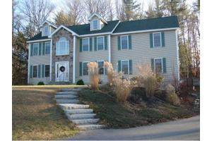 5 Taylor Way, East Kingston, NH 03827
