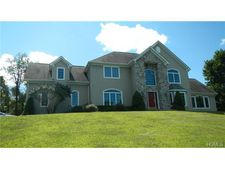 95 Odyssey Dr, Chester, NY 10918