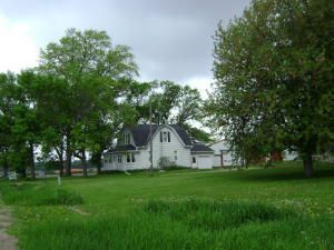 W4684 Alvoss Rd, Watertown, WI