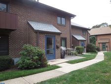 700 Ardmore Ave Apt 323, Ardmore, PA 19003