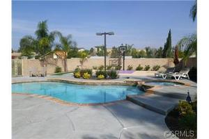 947 Martina Cir, Corona, CA 92879
