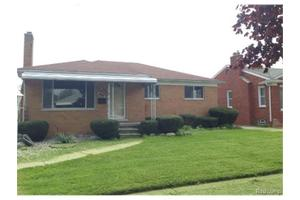 16124 Collinson Ave, Eastpointe, MI 48021