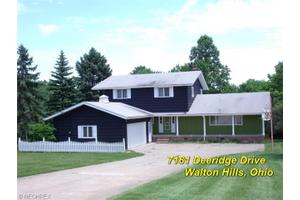 7161 Deeridge Dr, Walton Hills, OH 44146