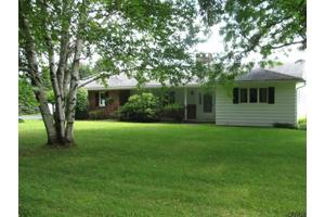 36 Oneil Ave, Johnstown, NY 12095
