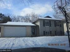 141 Redwood Dr, Apple Valley, MN 55124
