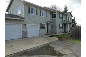 1318 Irvington Dr, Eugene, OR 97404
