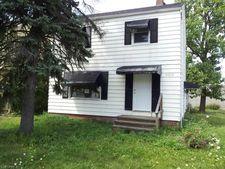 21113 Hansen Rd, Maple Heights, OH 44137
