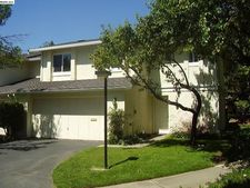 73 Fountainhead Ct, Martinez, CA 94553