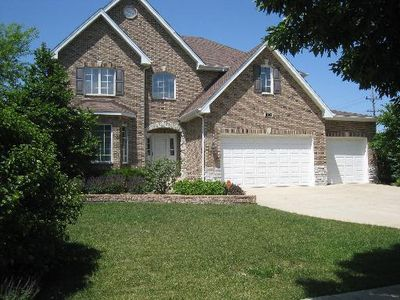 1204 Ridge Rd, Westmont, IL