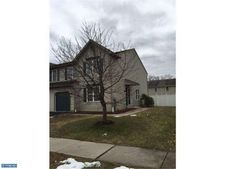 127 Bainbridge Cir, Sinking Spring, PA 19608