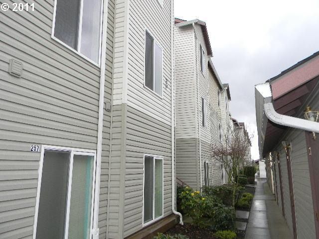5264 NE 121st Ave Apt 256 Vancouver, WA 98682