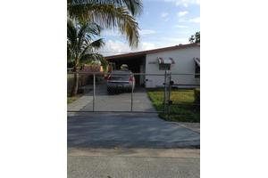 1020 W 4th St, Riviera Beach, FL 33404