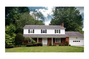 3271 Morewood Rd, Fairlawn, OH 44333