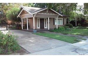 656 W Main St, Turlock, CA 95380