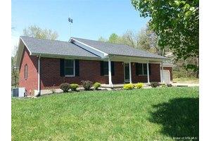 7636 Rolling Hills Ln NE, Lanesville, IN 47136