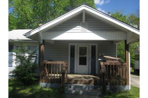 1007 S Benbow Rd, Greensboro, NC 27406