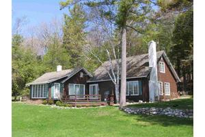 06710 Peaceful Valley Rd, Charlevoix, MI 49720